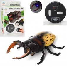 Насекомое 9996E-F на радиоуправлении, жук, 11,5 см, ездит, свет
