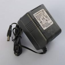 Зарядное устройство M 4106-CHARGER круглый штекер, для машины M 4106, 12V, 1000mA